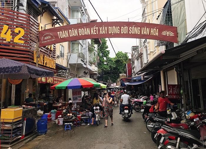 Lối vào chợ Lương Văn Can - chợ ẩm thực Hải Phòng