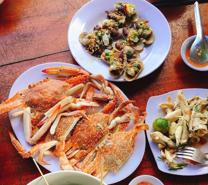 Address to eat seafood Phu Quoc - seafood in An Thoi port area