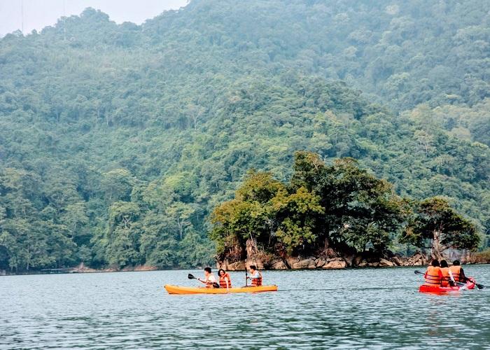 7 điểm chèo thuyền kayak đẹp ở Việt Nam - Ba Bể