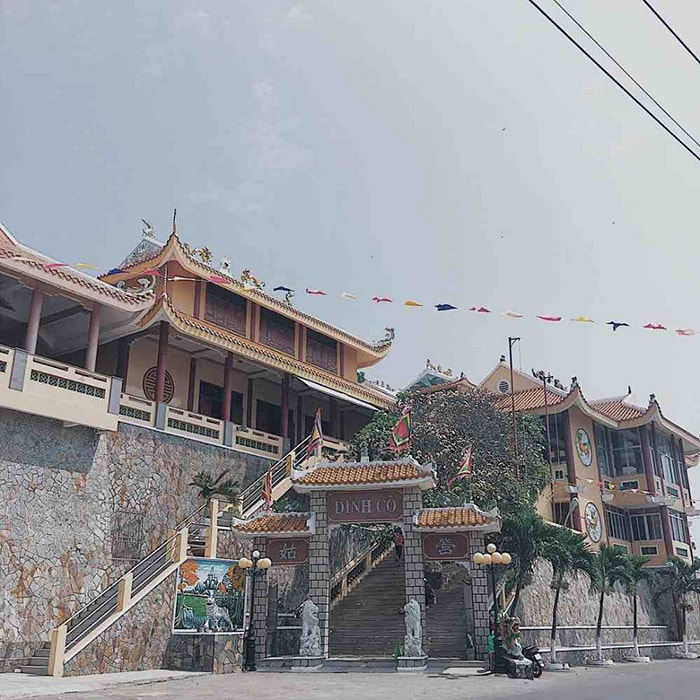 12 famous pagodas in Vung Tau - Dinh Co is considered sacred