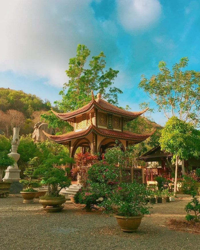 the architecture of Chan Nguyen architectural temple