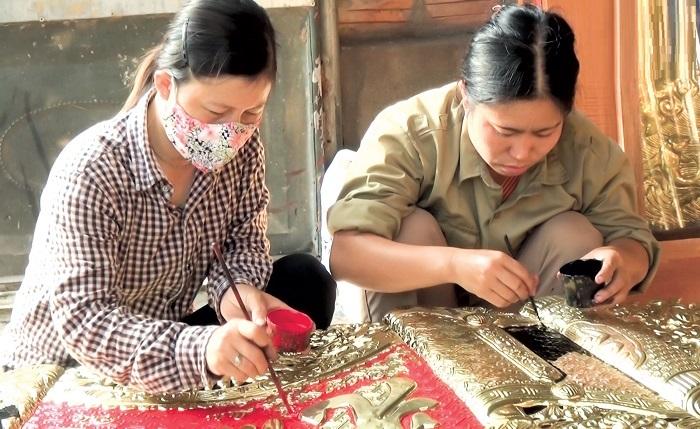 Làng chạm bạc Đồng Xâm là điểm du lịch nổi tiếng ở Thái Bình - Kinh nghiệm đi phượt Thái Bình từ Hà Nội