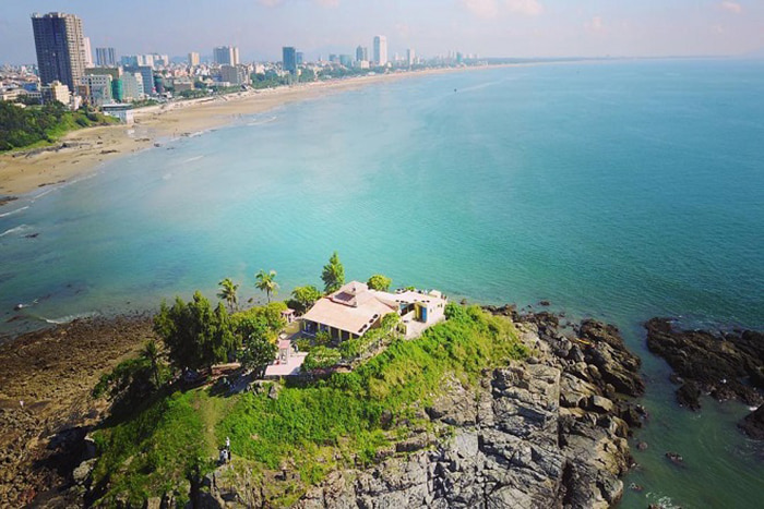 12 famous pagodas in Vung Tau - Hon Ba Temple viewed from above