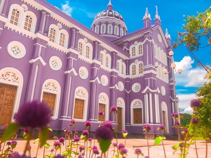 nhà thờ màu tím ở Nghệ An - thiết kế