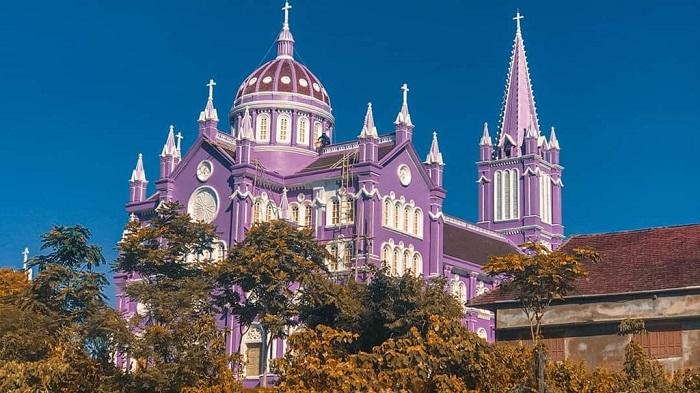 nhà thờ màu tím ở Nghệ An - thiết kế ấn tượng