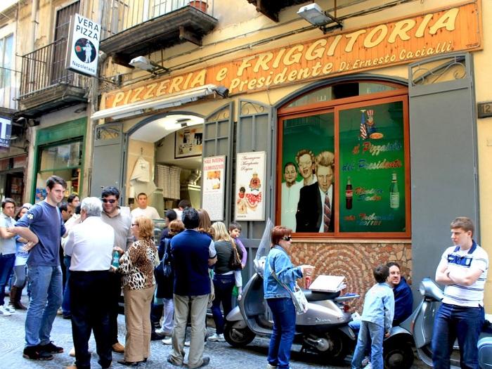 Tiệm bánh Il Pizzaiolo del Presidente ở Naples - Tìm hiểu về bánh Pizza Ý