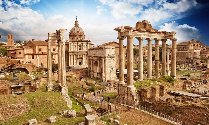 Toàn cảnh Quảng trường La Mã