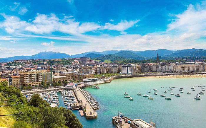 City of San Sebastian - tourist activity in San Sebastian