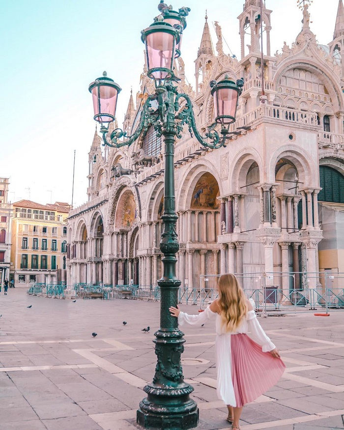 Mặt trước của Vương cung thánh đường San Marco