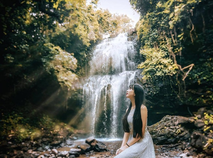 Space Waterfall Luu Ly