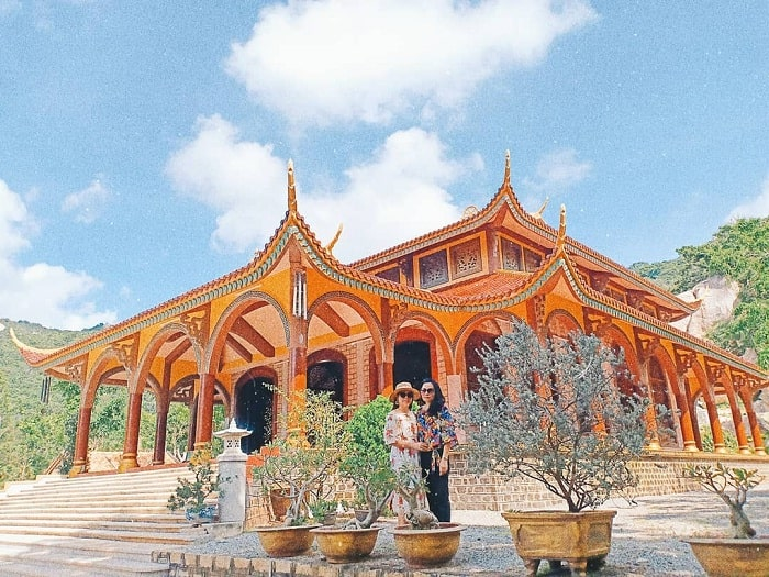 main hall - outstanding works at Chan Nguyen bamboo monastery