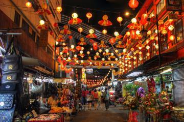 Mua sắm thả ga, ăn uống thả phanh tại những khu chợ đêm nổi tiếng ở Kuala Lumpur