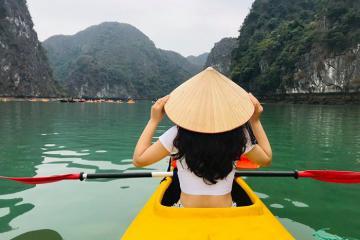 Note ngay 7 điểm chèo thuyền kayak ngoạn mục ở Việt Nam
