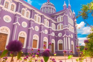 Ghé ngay nhà thờ màu tím ở Nghệ An check in với cảnh sắc lãng mạn khó tin