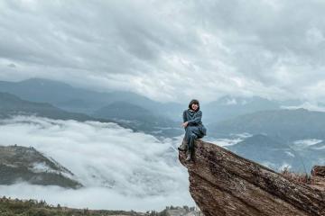 Vỡ òa cảm xúc khi đi săn mây trên đỉnh Ngải Thầu