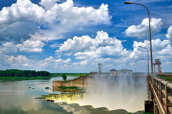 Thăm đập Phước Hòa - công trình thủy lợi đang chiếm sóng mạng xã hội vì quá đẹp