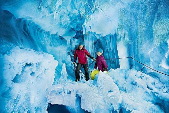 Lạc vào thế giới băng vĩnh cửu ở cung điện sông băng Zermatt Thụy Sĩ