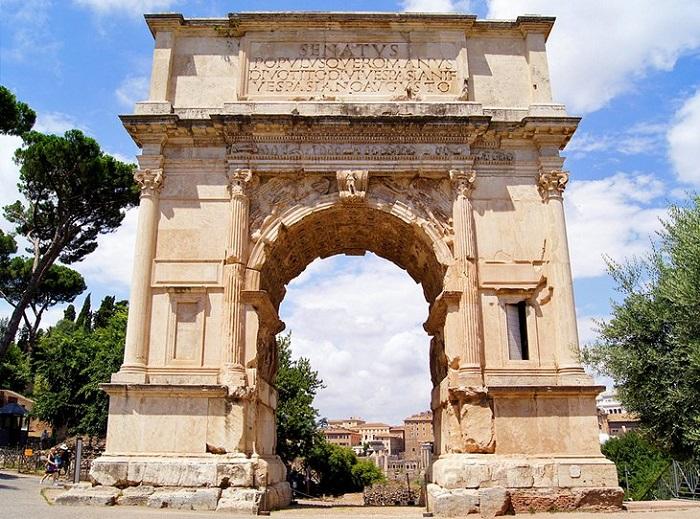 Vòm Titus - Quảng trường La Mã