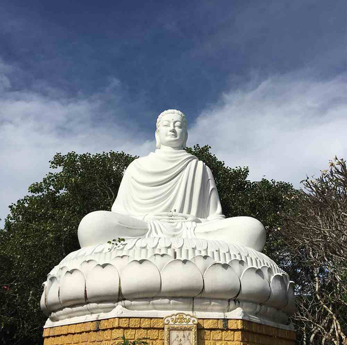 12 famous temples in Vung Tau - Statue of Thich Ca Mau Ni