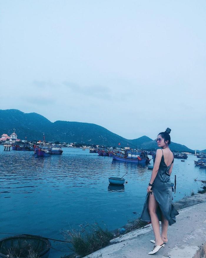 thuyền ra khơi - sinh hoạt của người dân trên Đầm Nại Ninh Thuận