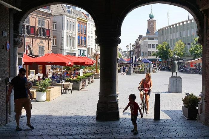 Quảng trường chính trong thành phố - Du lịch Nijmegen