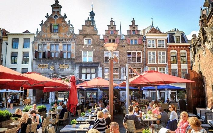 Ăn uống ở Grote Markt - Du lịch Nijmegen