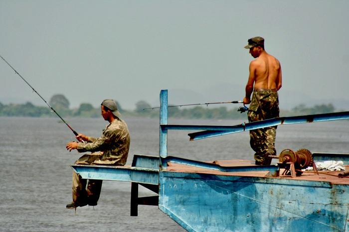 Câu cá Piranha - Du lịch Pantanal