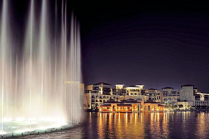 Đài phun nước Dubai mang đến rất nhiều điều bất ngờ cho du khách.