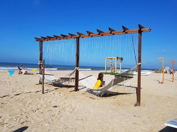 Bãi biển ở Dinh Thầy Thím Bình Thuận