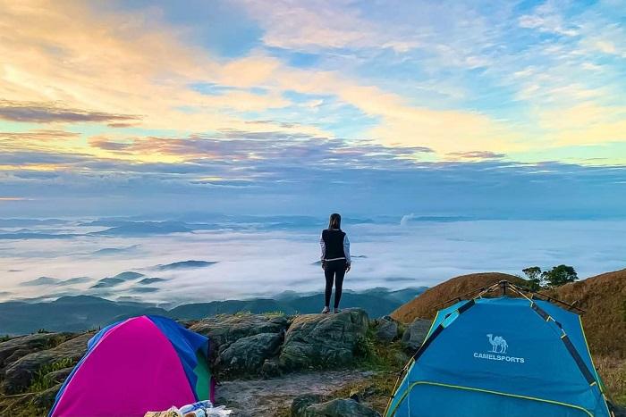 bình minh ở núi Phia Po
