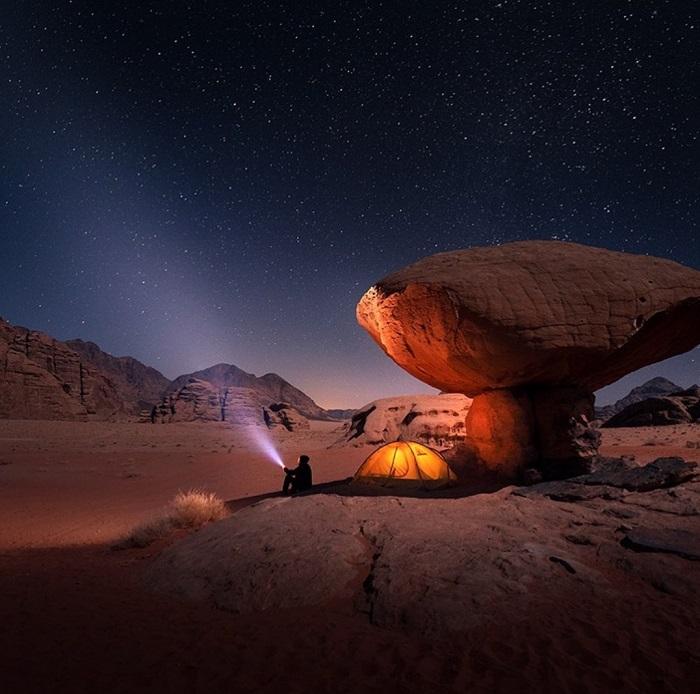 Ngắm nhìn bầu trời đêm đầy sao ở Qatar - Trải nghiệm cắm trại Ả Rập