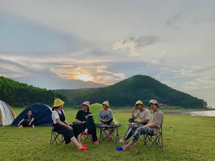 cắm trại - hoạt động nên thử tại Hồ Yên Thắng
