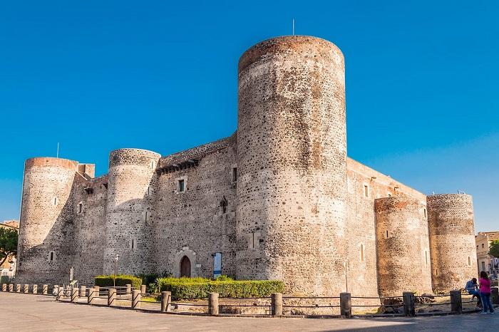 Lâu đài Ursino -  Du lịch Catania