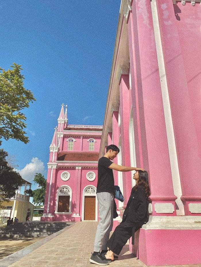Check in ở nhà thờ màu hồng ở Nghệ An