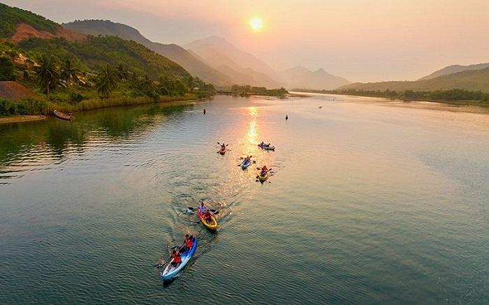 Kayaking in Dong Xanh - Dong Nghe Da Nang