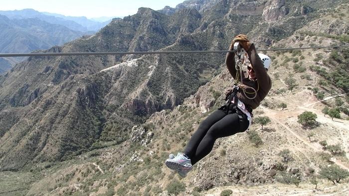 Trượt đường Zipline - Thung lũng thiêng Peru