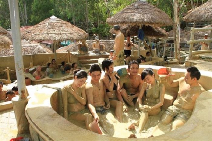 Water park in Saigon - Thien Thanh Park mud bath