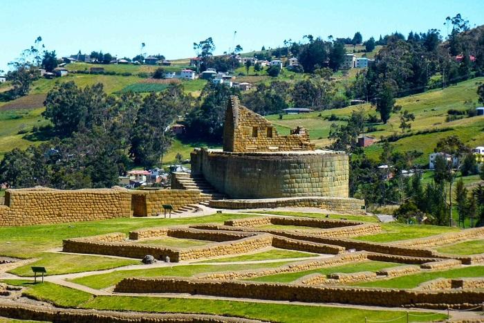 Đi bộ đường dài trong thung lũng - Thung lũng thiêng Peru