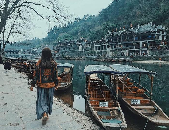 Bến thuyền Đà Giang - Địa điểm du lịch Phượng Hoàng Cổ Trấn