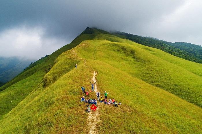 Trecking lên đỉnh núi Phia Po