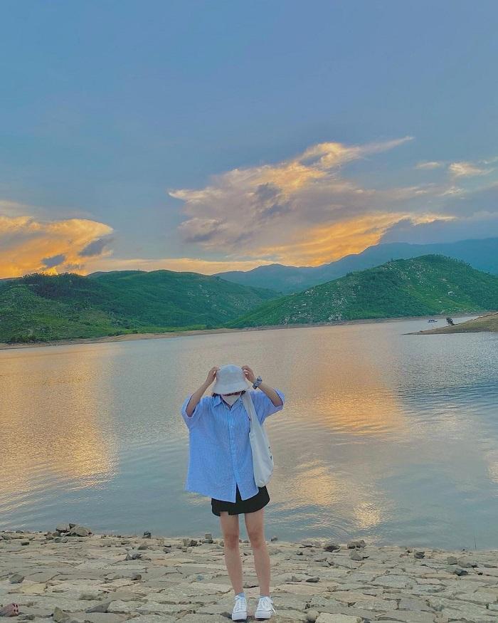 Watch the sunset in Dong Xanh - Dong Nghe Da Nang