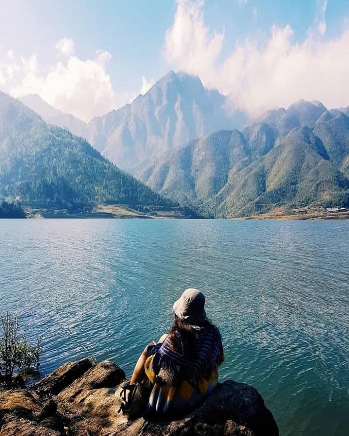 Leo núi, ngắm cảnh ở hồ Séo Mý Tỷ Sapa