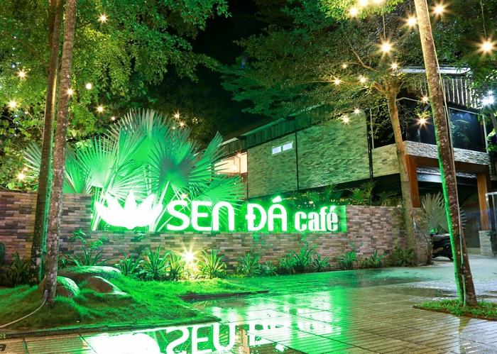 Tay Ninh tourism at night - Sen Da Coffee cafe