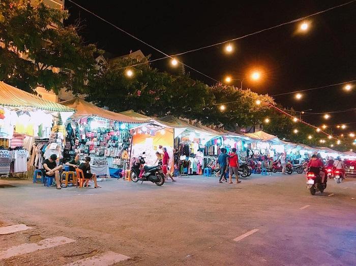 Tay Ninh night tour - Tay Ninh night market
