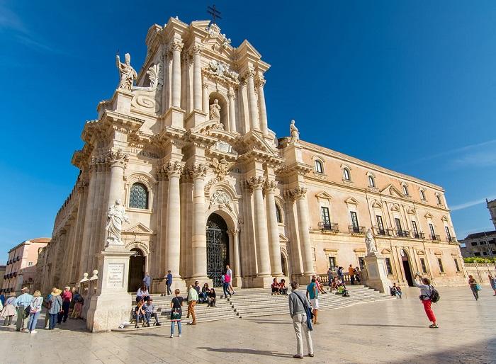 Piazza del Duomo - du lịch Catania