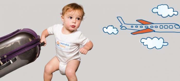 Có nên cho trẻ đi du lịch hay không - Em bé mấy tháng