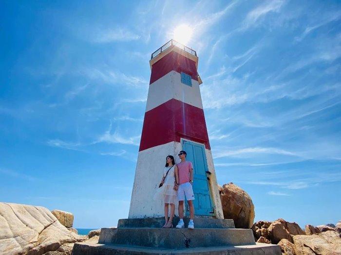 Ganh Den lighthouse height
