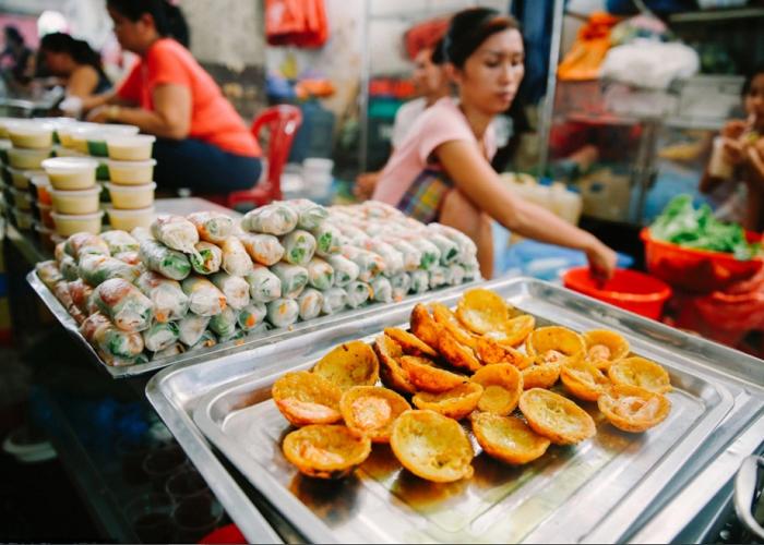 khu ăn vặt chợ Xóm Chiếu- thiên đường ăn vặt
