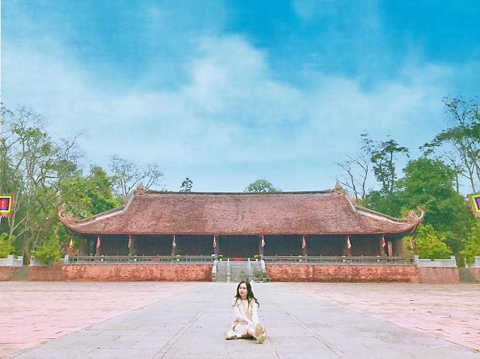 sân rồng - không gian rộng lớn tại khu di tích Lam Kinh