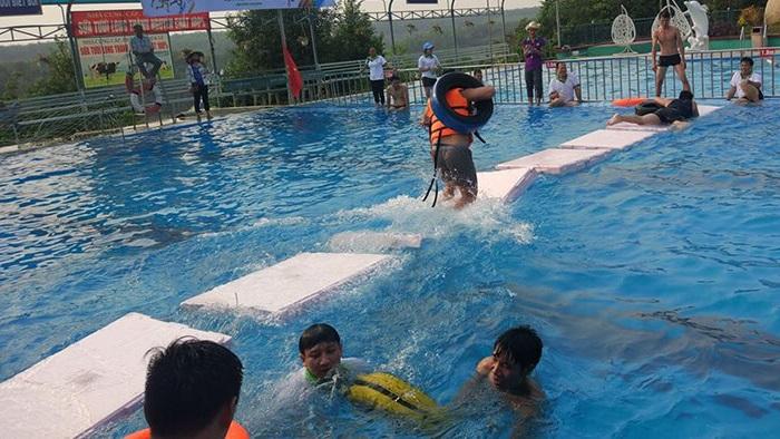 khu du lịch Đảo Yến Sơn Hà - hồ bơi
